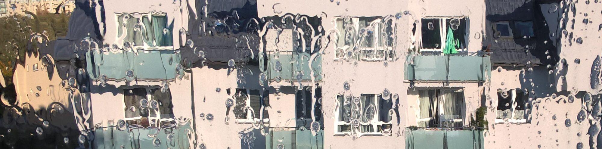 Mycie szyb, okien, elewacji i banerów wodą demineralizowaną